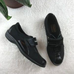 MUNRO AMERICAN Jolie Strap Sport Sneakers